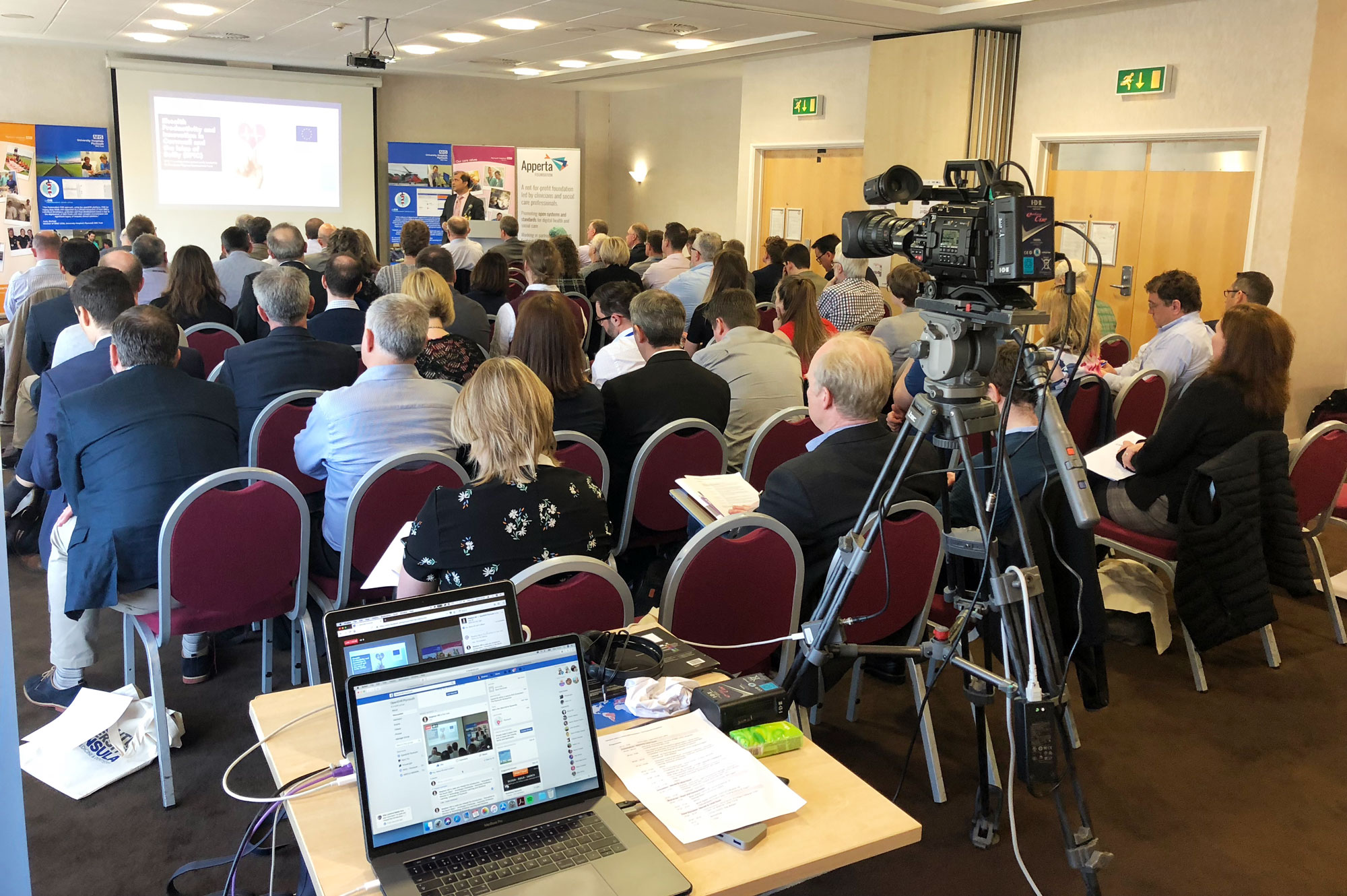 VirtualLIGHT live video stream -conference-university-plymouth-nhs4